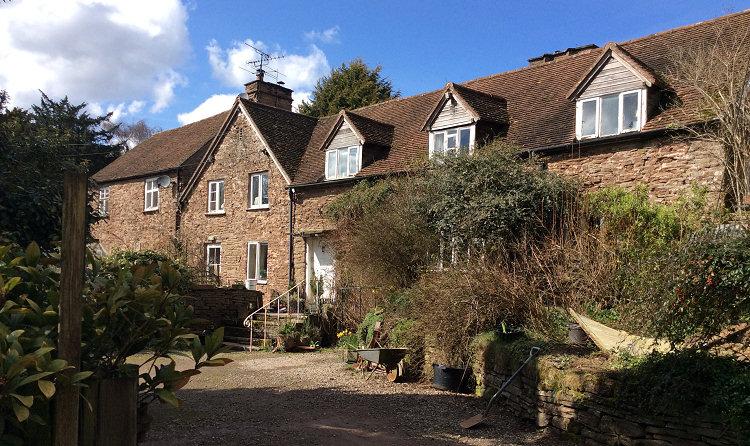 Woonton Court Famhouse
